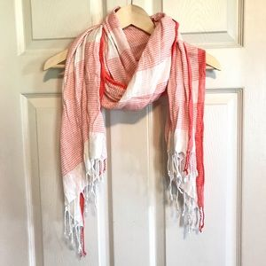 Coral/white summer scarf